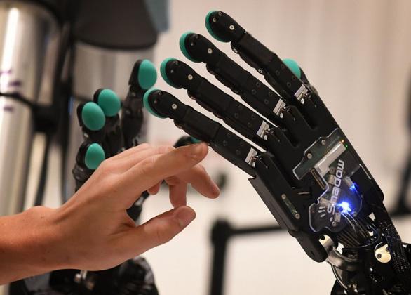 Ai đang đứng đầu thế giới về trí tuệ nhân tạo: Mỹ, Trung Quốc, EU? - Ảnh 1.