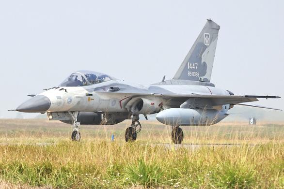 Trung Quốc nói tập trận gần Đài Loan là cảnh báo Mỹ - Ảnh 1.