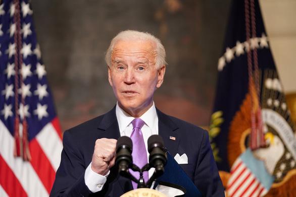 Ông Biden ký văn bản yêu cầu không liên hệ nguồn gốc COVID-19 với vị trí địa lý - Ảnh 1.