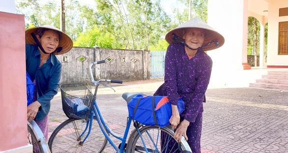 Khi Tết đến với hai mẹ con 94 và 62 tuổi, mắt họ rưng rưng... - Ảnh 7.