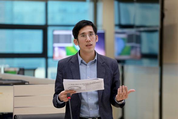 Ông Trần Quang Năng - trưởng phòng dự báo hời tiết Trung tâm Dự báo khí tượng thủy văn quốc gia - Ảnh: CHÍ TUỆ