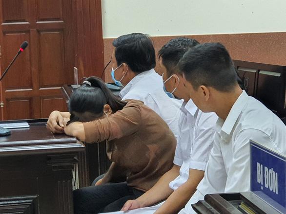 Y án 15 năm tù với cựu chi cục trưởng Chi cục Văn thư - lưu trữ Hậu Giang - Ảnh 1.