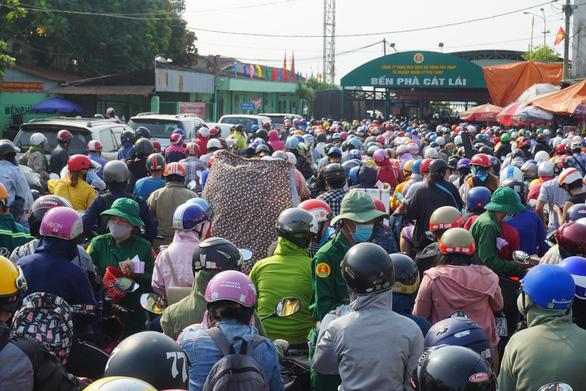 TP.HCM và Đồng Nai họp bàn phương án xây cầu Cát Lái - Ảnh 1.