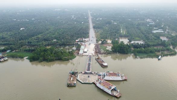 Phà Rạch Miễu chính thức hoạt động, chia lửa với cầu Rạch Miễu - Ảnh 1.