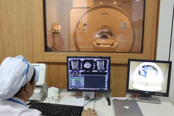Chụp cộng hưởng từ (MRI) khớp gối: Giải pháp phát hiện tổn thương nhanh, chính xác - Ảnh 1.