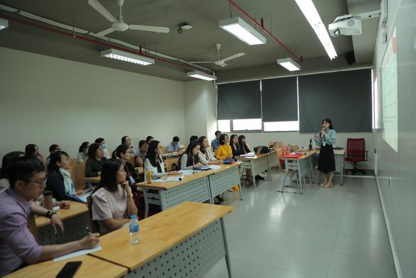 Đại học Văn Lang đăng cai tổ chức hội thảo khoa học quốc tế Asiacall 2021 - Ảnh 4.