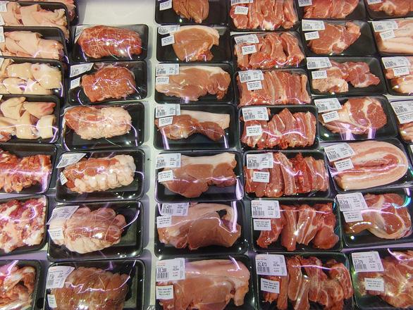 Thủ tướng yêu cầu triển khai các biện pháp bình ổn giá thịt heo, không để thiếu hàng tết