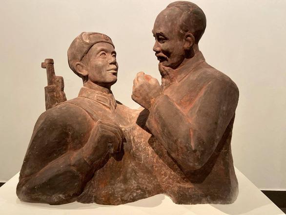 Mùa xuân đất nước từ những tác phẩm điêu khắc nhiều thời kỳ - Ảnh 3.