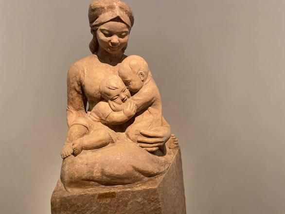 Mùa xuân đất nước từ những tác phẩm điêu khắc nhiều thời kỳ - Ảnh 2.