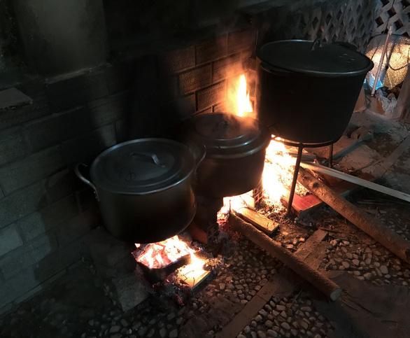 Tết xưa - Tết nay: Nhớ ngai ngái mùi chăn bông tiết lạnh, mùi vương Tết tới - Ảnh 2.