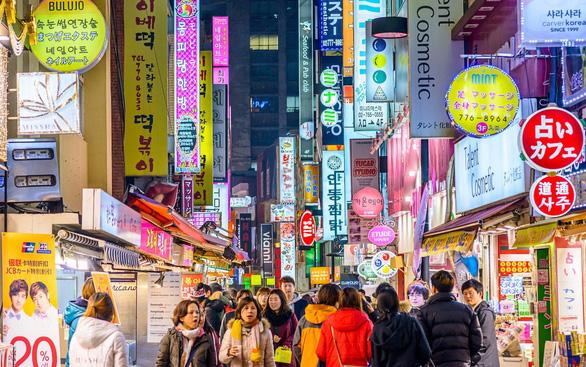 Chọn ở lại hay thoát khỏi Seoul - Ảnh 1.