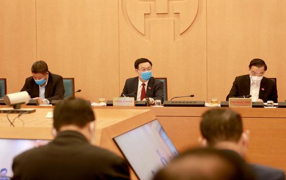 Hà Nội lấy mẫu xét nghiệm cho người ở ổ dịch tại Hải Dương về từ ngày 14-1 - Ảnh 1.