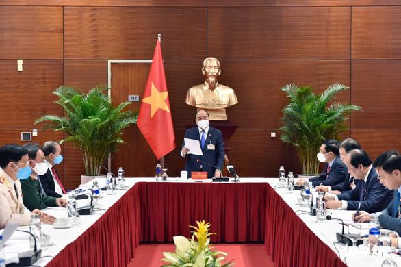 Hai ổ dịch COVID-19 mới ghi nhận ban đầu hơn 80 ca, Thủ tướng họp khẩn - Ảnh 7.
