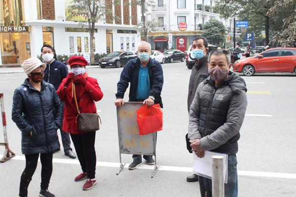 Quảng Ninh lập các tổ truy vết COVID-19 đến tận thôn, khu phố - Ảnh 4.