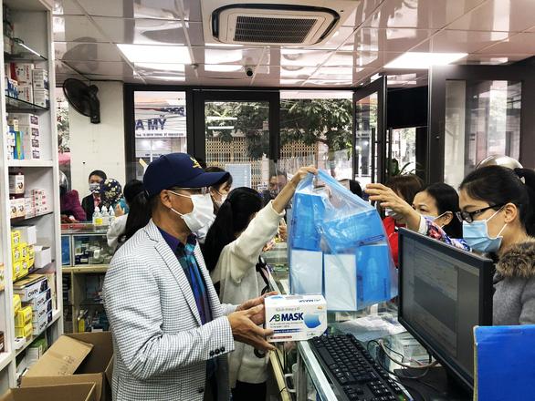 Quảng Ninh lập các tổ truy vết COVID-19 đến tận thôn, khu phố - Ảnh 5.