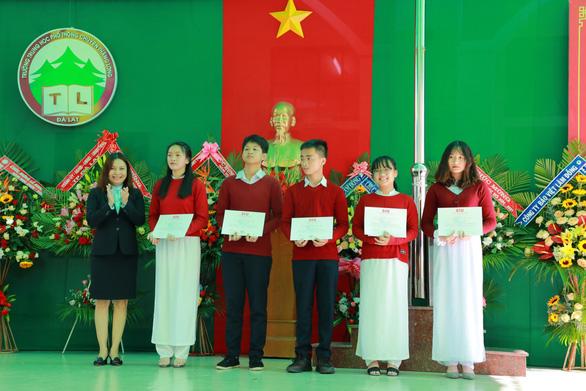 Đại học quốc tế Sài Gòn khởi động 'Quỹ phát triển tài năng' lên đến 13,2 tỉ đồng - Ảnh 2.