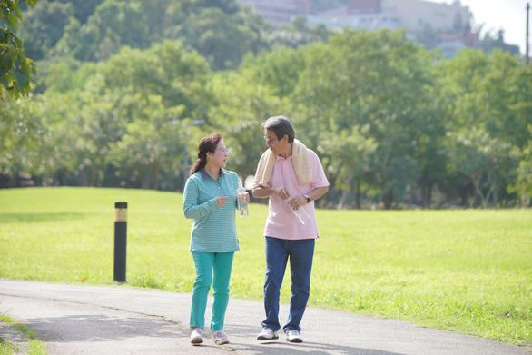 4 nếp sinh hoạt phòng ngừa đột quỵ mùa lễ tết cho tuổi 50 - Ảnh 3.