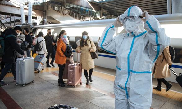 میلیون ها چینی به دلیل نگرانی در مورد COVID تعطیلات بهاری را آغاز کرده اند - عکس 2.
