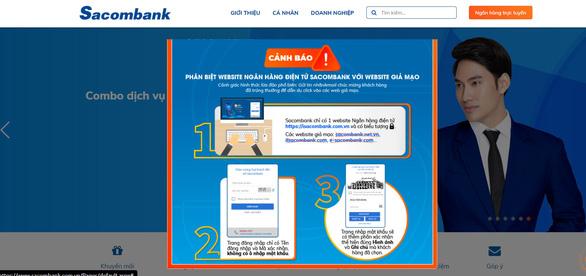 Tạm ứng cho khách hàng bị mất tiền vì làm theo tin nhắn ngân hàng - Ảnh 1.