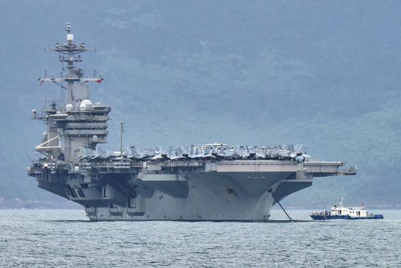 Máy bay ném bom Trung Quốc diễn tập tấn công tàu sân bay Mỹ? - Ảnh 1.
