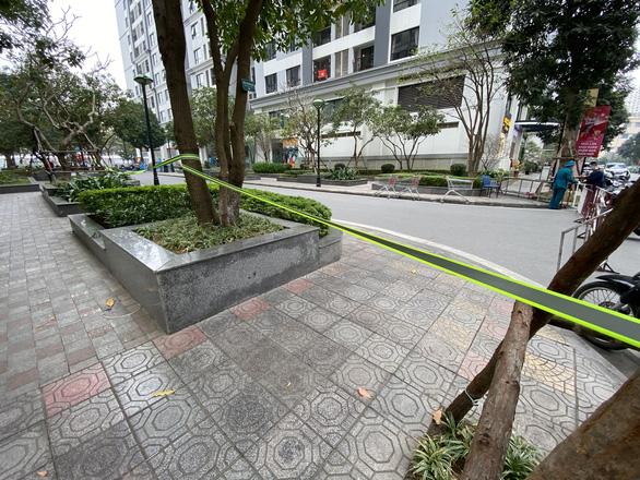 Hà Nội phong tỏa tòa nhà ở Times City liên quan ca nhiễm COVID-19 - Ảnh 4.
