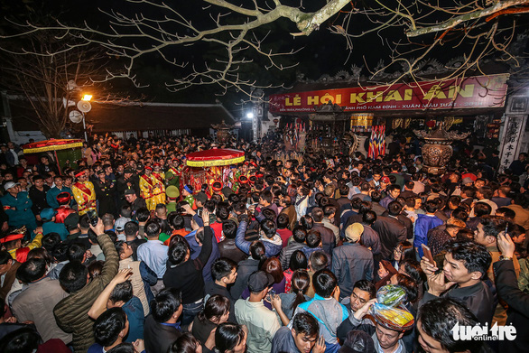 Tạm ngừng tổ chức lễ hội, karaoke, vũ trường ở nơi có dịch COVID-19 bùng phát - Ảnh 1.