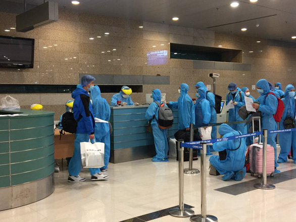 Toàn bộ mẫu xét nghiệm nhân viên sân bay và khu cách ly Cần Thơ âm tính với SARS-CoV-2 - Ảnh 1.