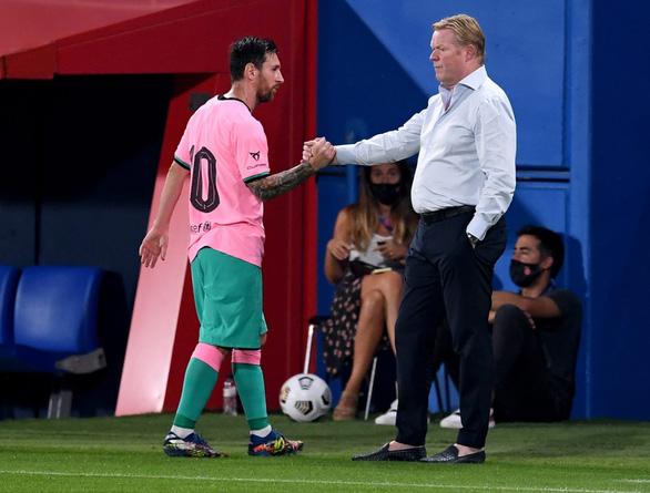Năm sụp đổ của Barca? - Ảnh 1.