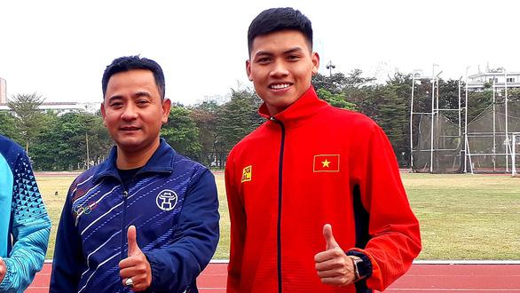 Người giữ kỷ lục marathon Việt Nam - Ảnh 1.