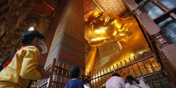 تایلند از نسخه جدید تاج رونمایی کرده است که دروازه بانکوک را به شدت کنترل می کند - عکس 1.