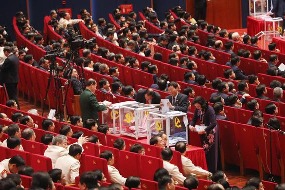 Hình ảnh các đại biểu Đại hội Đảng bỏ phiếu bầu Ban Chấp hành Trung ương khóa XIII - Ảnh 7.