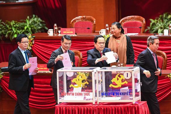 Hình ảnh các đại biểu Đại hội Đảng bỏ phiếu bầu Ban Chấp hành Trung ương khóa XIII - Ảnh 6.