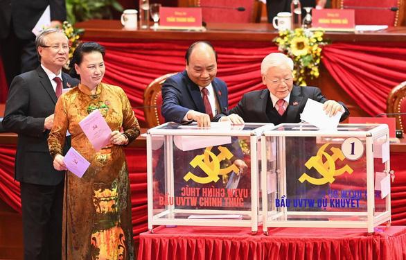 Hình ảnh các đại biểu Đại hội Đảng bỏ phiếu bầu Ban Chấp hành Trung ương khóa XIII - Ảnh 1.