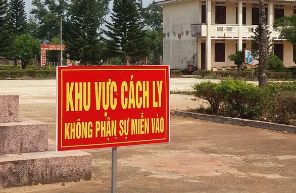 Gia Lai phong tỏa 1 trung tâm y tế huyện và 2 xã, phường - Ảnh 1.