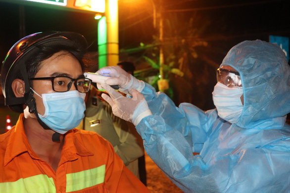 TP.HCM xét nghiệm 446 người đến từ vùng dịch, hầu hết tự giác khai báo - Ảnh 1.