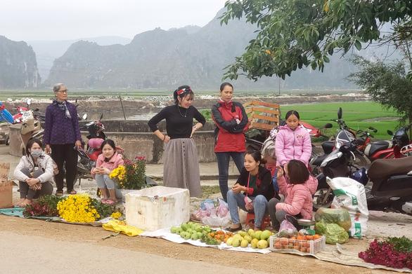 Tết xưa - Tết nay: Không có nơi nào đầy đủ bằng chợ, nhất là chợ Tết - Ảnh 2.