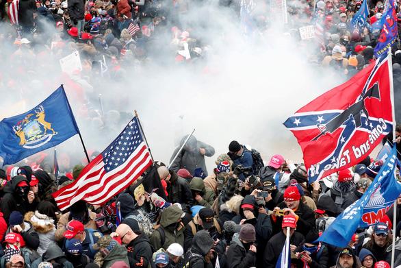 Nhà tài trợ lớn của ông Trump là người quyên góp chính cho cuộc biểu tình trước bạo loạn 6-1 - Ảnh 1.