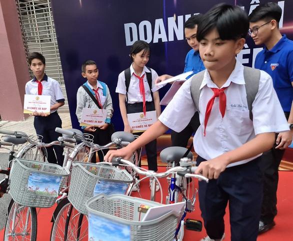 Học sinh, sinh viên Bình Dương nghỉ học từ ngày 1-2 - Ảnh 1.