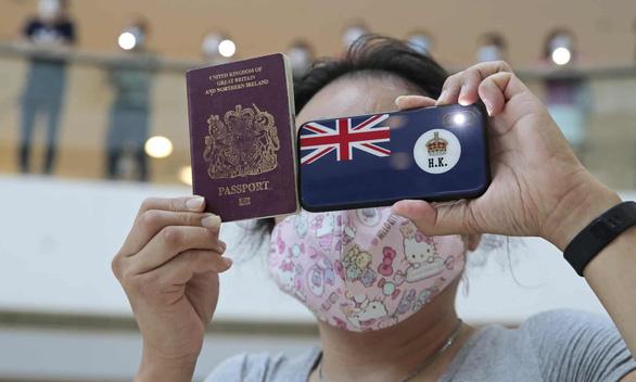 وی برای مردم هنگ کنگ ویزا صادر کرد ، پکن گفت که او شهروند درجه دو نیست - عکس 1.