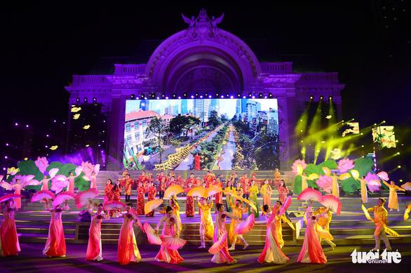 Chủ tịch UBND quận huyện tự quyết định quy mô tổ chức lễ hội, sự kiện đông người - Ảnh 1.