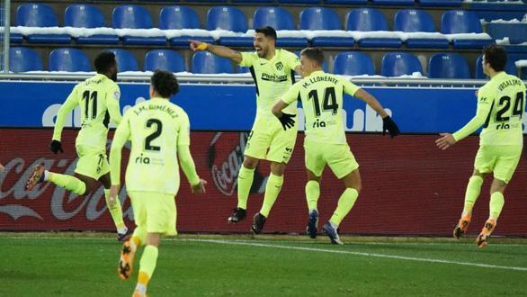 La Liga: Messi trở lại giúp Barca thắng tối thiểu, Atletico Madrid lấy lại ngôi đầu - Ảnh 4.