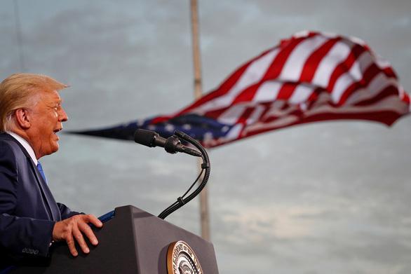 Tổng thống Trump xác nhận không dự lễ nhậm chức của ông Biden - Ảnh 1.