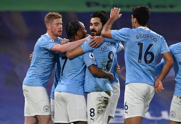 Man City thắng thuyết phục Chelsea tại Stamford Bridge - Ảnh 1.