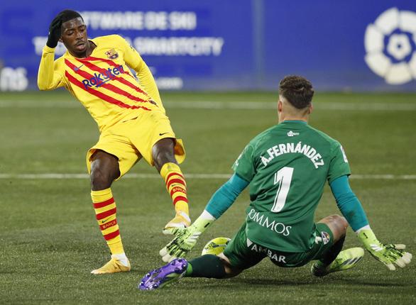 La Liga: Messi trở lại giúp Barca thắng tối thiểu, Atletico Madrid lấy lại ngôi đầu - Ảnh 3.