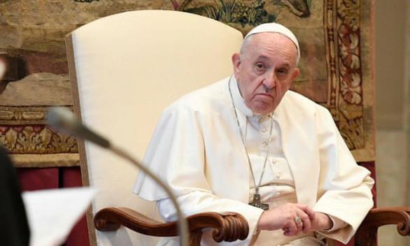 Giáo hoàng Francis lên án những người ra nước ngoài trốn phong tỏa trong nước - Ảnh 1.