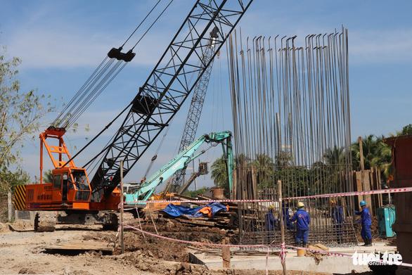 Thủ tướng yêu cầu đẩy nhanh xây cầu Mỹ Thuận 2, kịp thông tuyến cao tốc TP.HCM - Cần Thơ - Ảnh 4.
