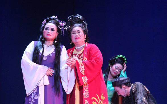 Lấp lánh hi vọng cho làng nghệ thuật truyền thống - Ảnh 3.