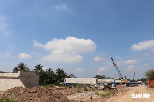 Thủ tướng yêu cầu đẩy nhanh xây cầu Mỹ Thuận 2, kịp thông tuyến cao tốc TP.HCM - Cần Thơ - Ảnh 2.