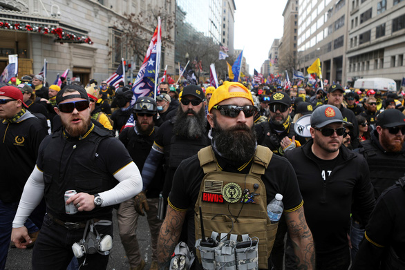 Washington cảnh báo không tha thứ nếu người ủng hộ Trump mang súng đến thủ đô ngày 6-1 - Ảnh 1.