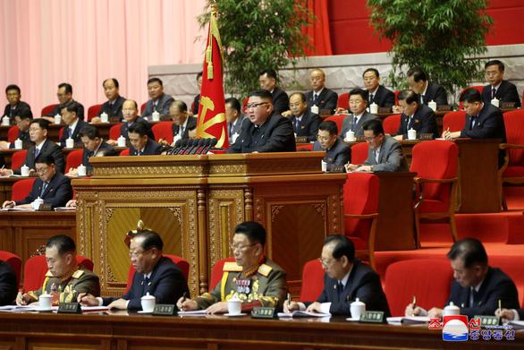 Ông Kim Jong Un xác nhận không đạt nhiều mục tiêu kế hoạch kinh tế 5 năm  - Ảnh 4.